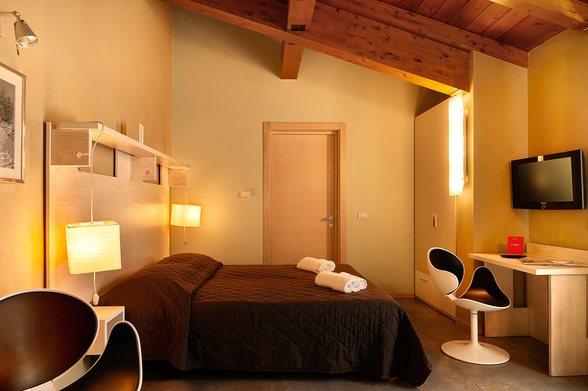 Faraday's-Junior-Suite2-agriturismo-umbria-per